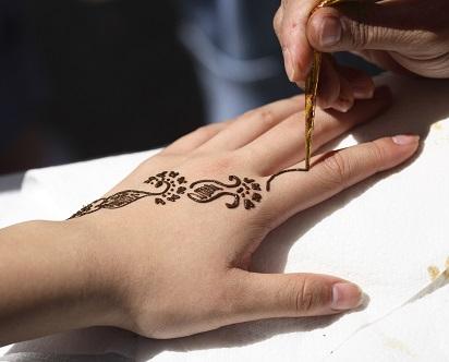 Motif Henna Tangan Sederhana Trend 2018 Cara Merias Pengantin Berhijab