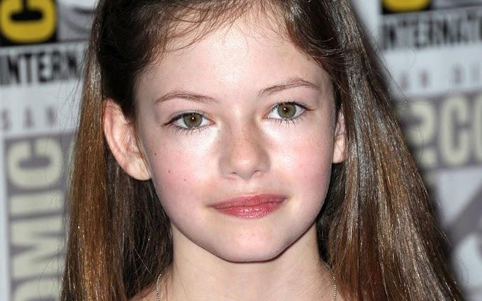 Az Alkonyat-filmek gyereksztárja volt - A 20 éves Mackenzie Foy gyönyörű nő lett