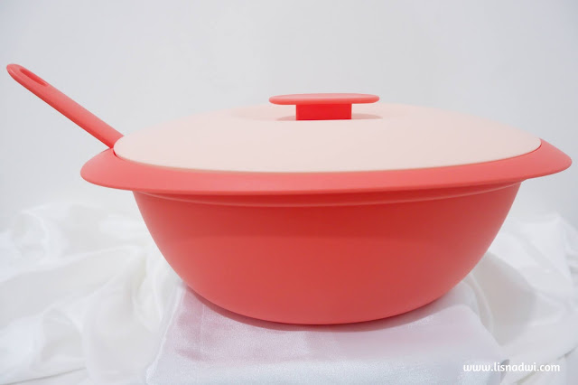 Tupperware Bloomia Round Base