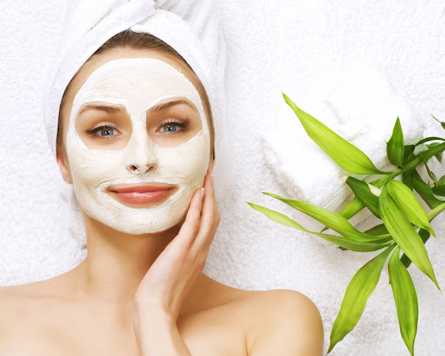 Ioanna's Notebook - 10 facial masks under 15,00 €