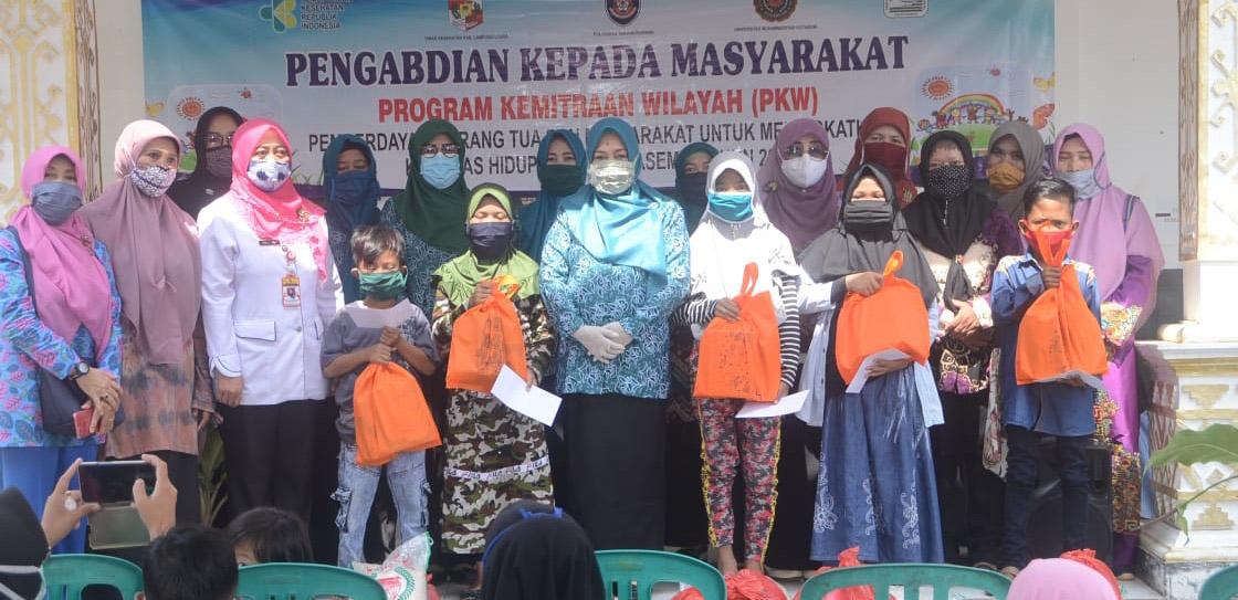 TPPKK Lampura Beri Tali Asih Anak Thalasemia