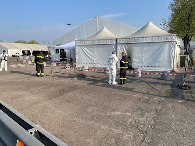 Bomba incendiaria al centro vaccinale di Brescia