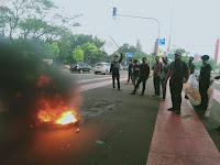 Tolak PPKM dan Tenaga Kerja Asing, Sejumlah OKP/Aktivis Boikot Jalur Transportasi Di Rawamangun