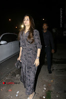 Bollywood Actor Hrithik Roshan and Sussanne Khan Spotted At Bandra .COM 0007.jpg