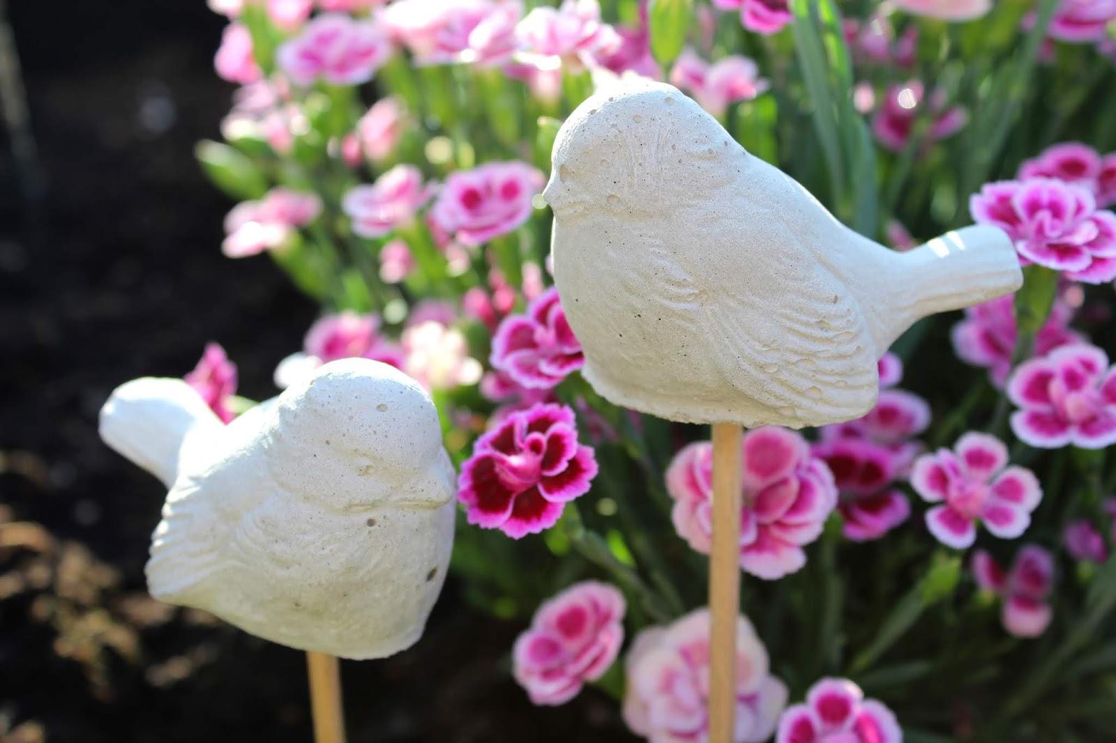 DIY Gartenstecker Vögel aus Beton in wenigen Schritten selber machen - süße Gartendeko