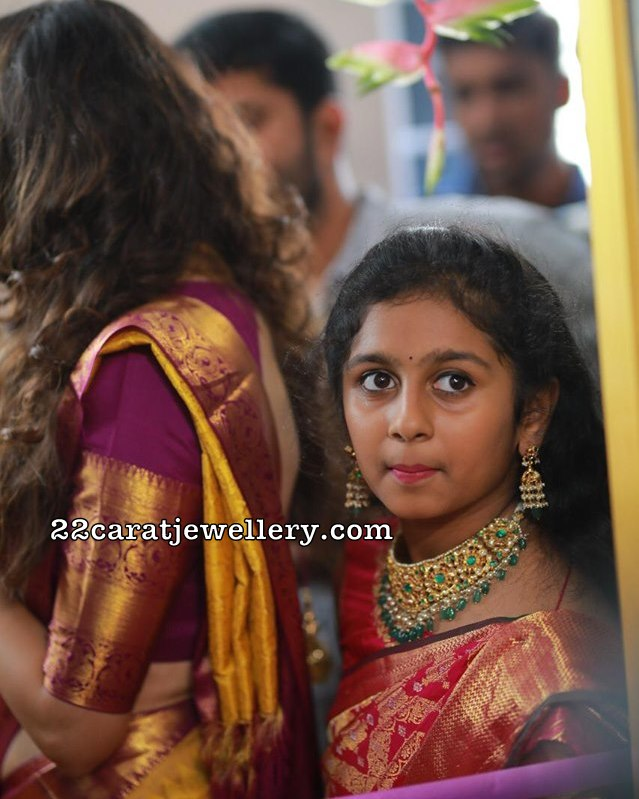 Small Girl in Kundan Choker by Hiya