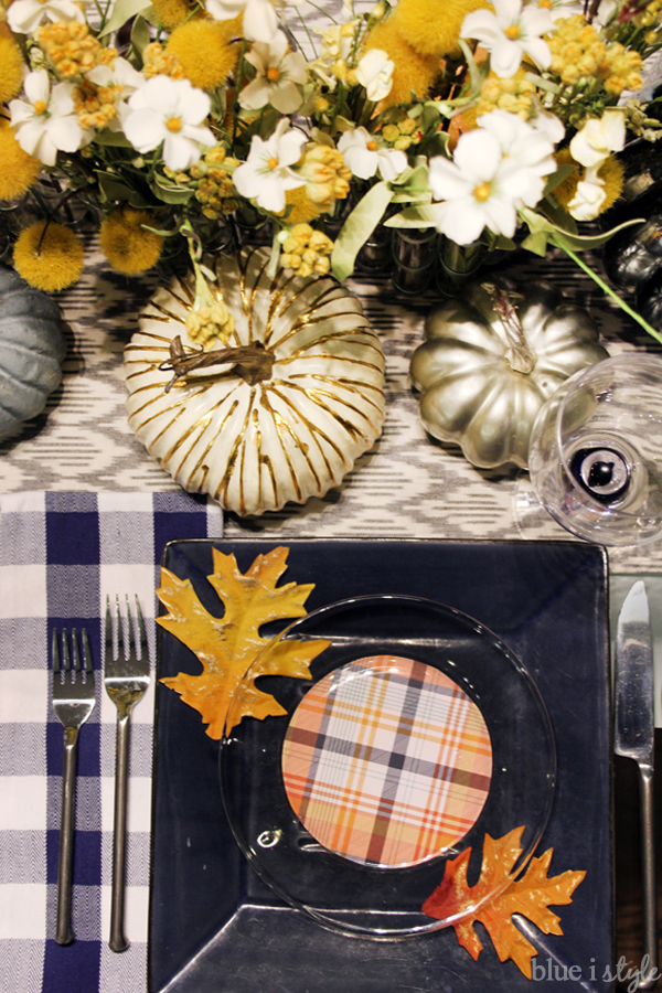 Plaid Thanksgiving Place Settings & five minute friday Thanksgiving Table Setting Hack | Blue i Style ...