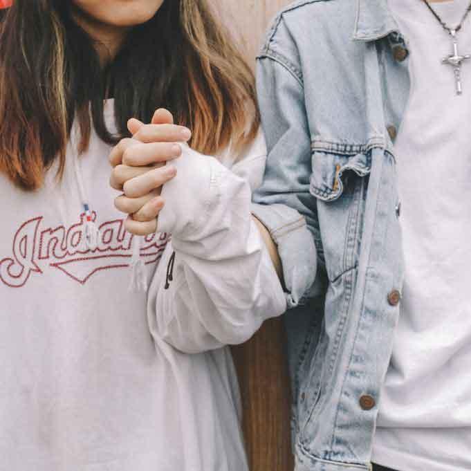 Site de relacionamento grátis compensa? Descubra agora!