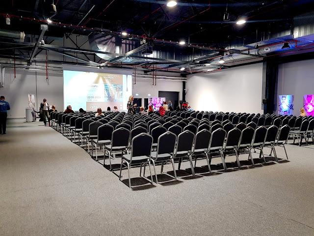 sala wykładowa - konferencja