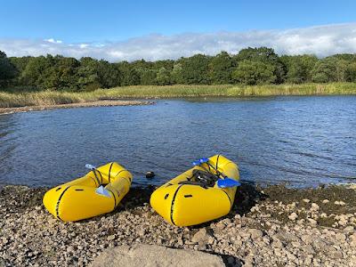 猪苗代湖モビレージの湖畔サイト ココペリのパックラフト ローグライトとトウェイン