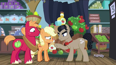 Big Mac, Applejack and Filthy Rich at Barnyard Bargains
