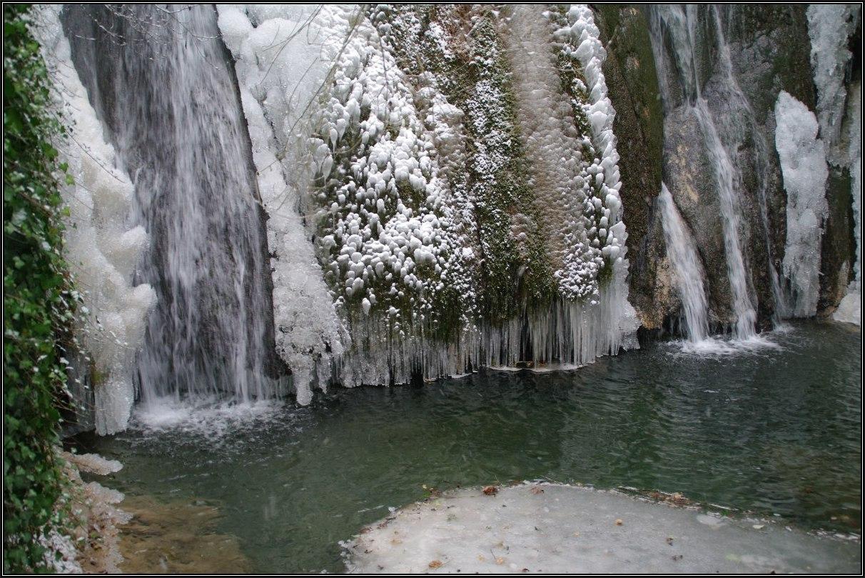 Cascada Del Pozo De La Horca (Río De La Virgen). Cañete