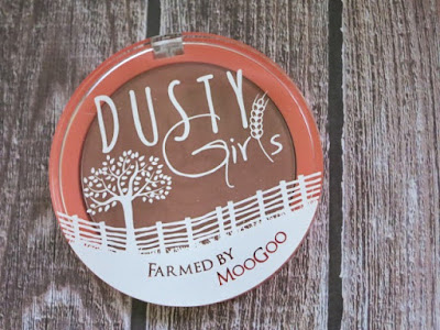 Dusty Girls Natural Mineral Blush in Golden Delicious