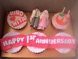 cup cake anniversary di toko kue padang