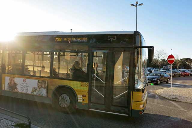 Lisbon bus number 738