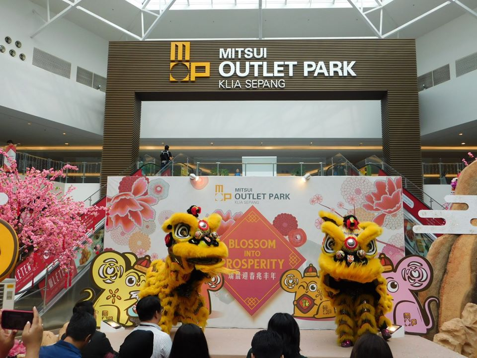[EVENT] MITSUI OUTLET PARK KLIA SEPANG PRESENTS CONTEST WINNERS WITH A CAR EACH IN CONJUNCTION WITH CHAP GOH MEH CELEBRATION