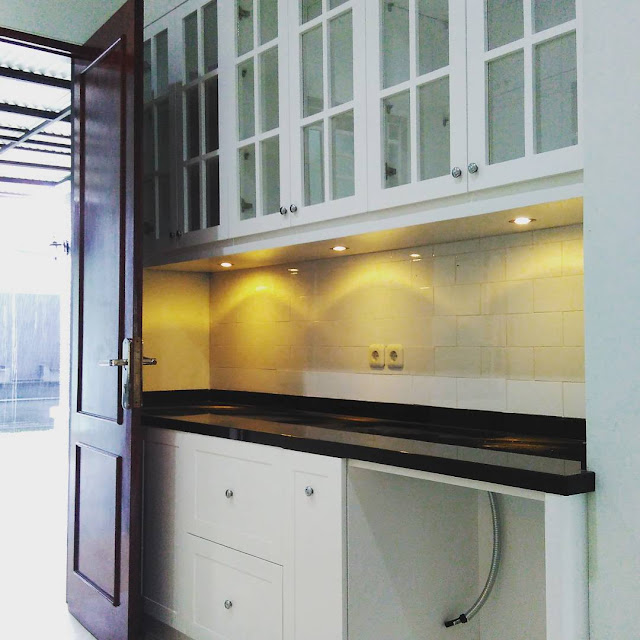 Kitchen Set Kayu Surabaya