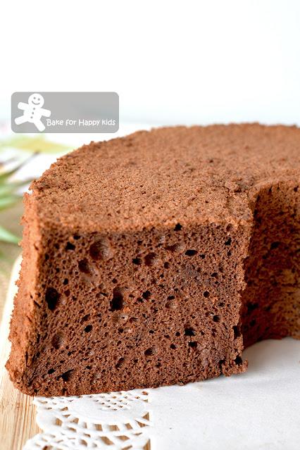 moist soft coffee cocoa egg white chiffon cake
