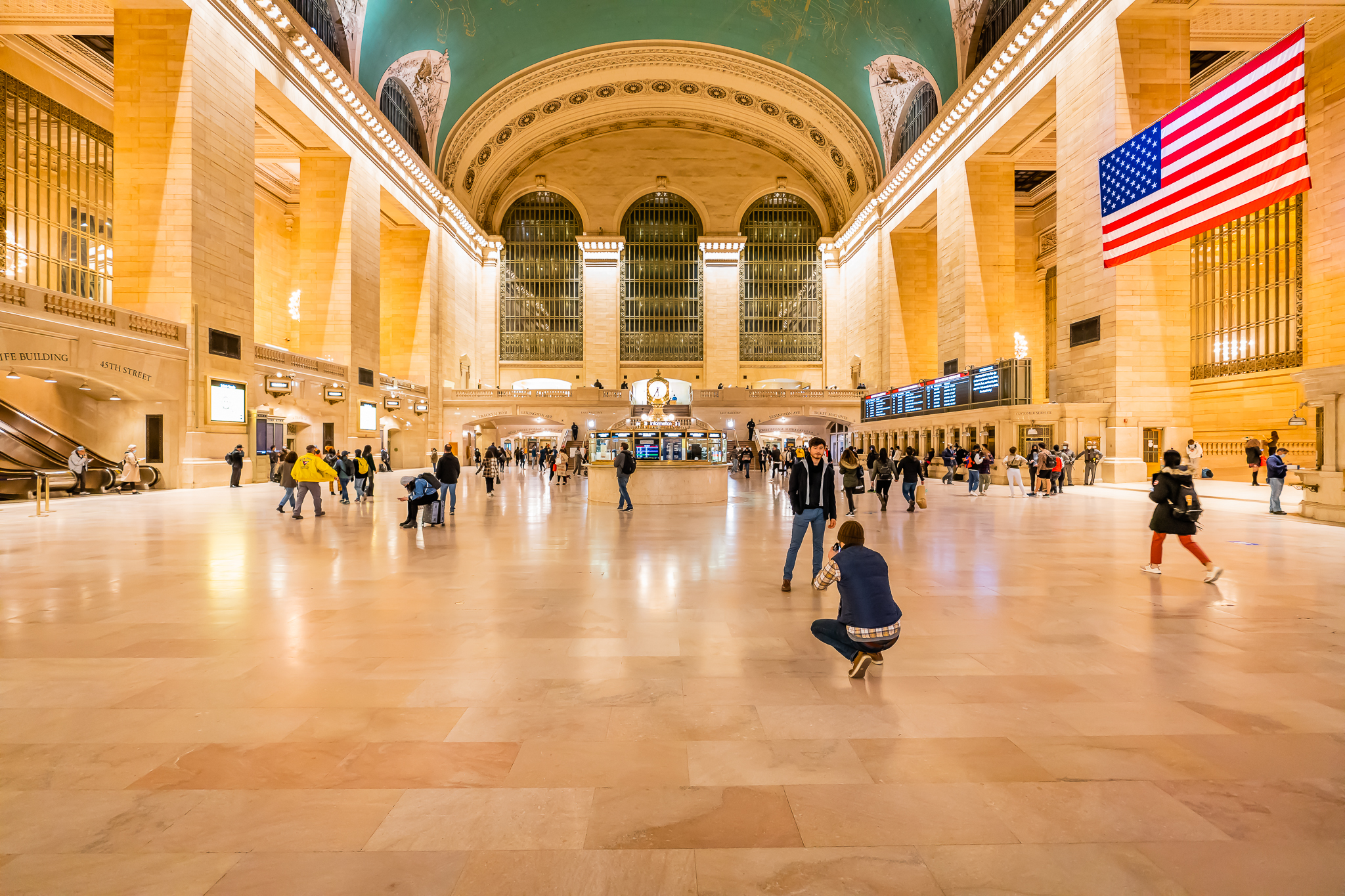 a photo of the interior of grand central station new york city
