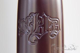 Studded Kiss Lipstick de Kat Von D, tono Motörhead