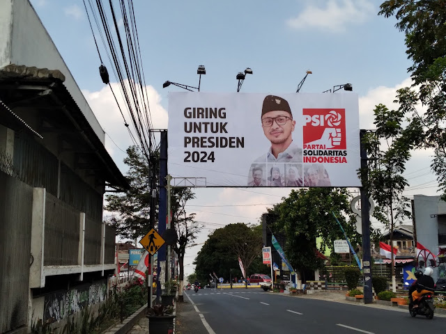 Halu, Muncul Baliho Giring PSI untuk Presiden 2024
