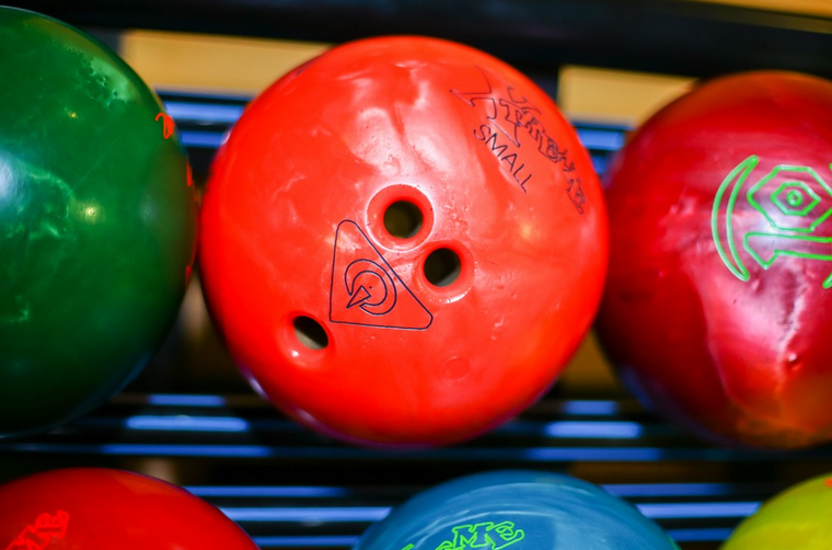 What to Look for When Buying a Bowling Ball