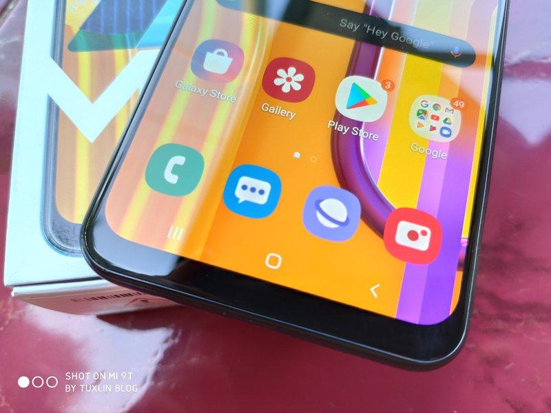 Desain Samsung Galaxy M30s