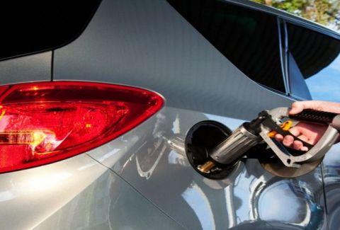 Τεράστια προσοχή: Δείτε τι μπορείτε να πάθετε όσοι έχετε μετατρέψει σε υγραέριο το αυτοκίνητο σας! (VIDEO)