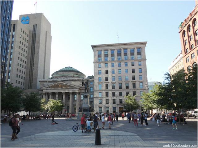 Principales Atracciones Turísticas en Montreal: Plaza de Armas