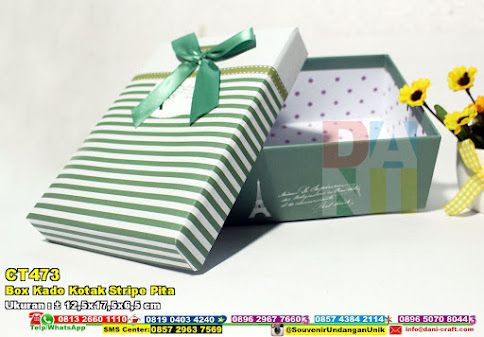 Box Kado Kotak Stripe Pita
