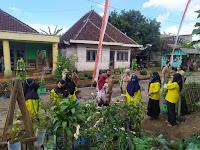 Mahasiswa UMM Bersama Dengan Kelompok Wanita Tani Larasati Mengikuti Lomba Kelompok Wanita Tani (KWT) Tingkat Kabupaten Malang