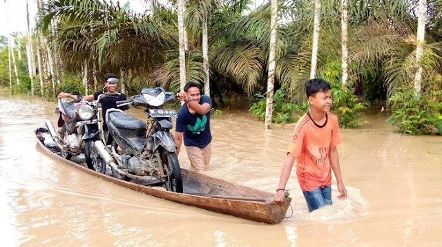 Ruas Jalan Provinsi di Seumanah Jaya, Aceh Timur Kembali Terendam Banjir, Transportasi Lumpuh