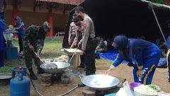 Dapur Umum TNI-Polri Untuk Membantu Warga Terdampak Covid-19.