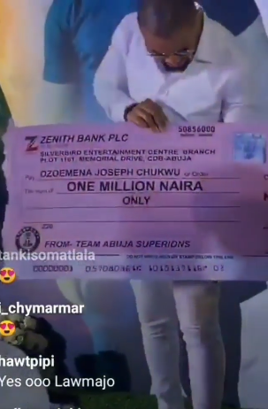 Fans donate one million naira to BBN's Ozo [photos]
