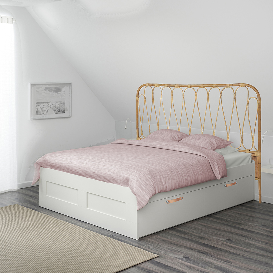 rottinkinen sängynpääty