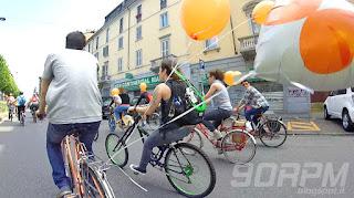 Cyclopride Day Milano: ogni tanto mi imbatto in qualche bici particolare, come questa cruiser verde e nera