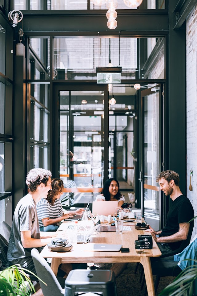 Effective contact online makes business sense
