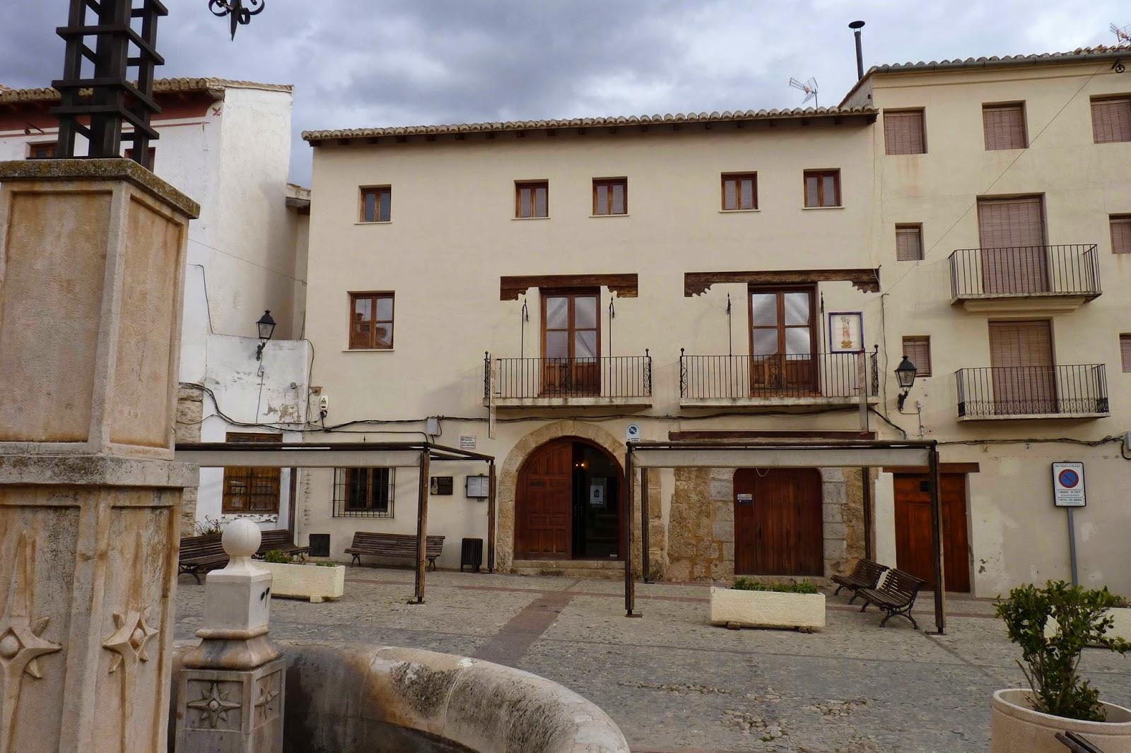 Plaza del Albornoz, Cuevas de la Villa, Requena.