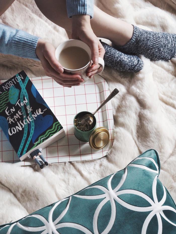 Moment cocooning : pause thé et un bon bouquin