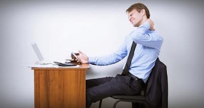أضرار-الجلوس-أمام-الكمبيوتر-لفترات-طويلة