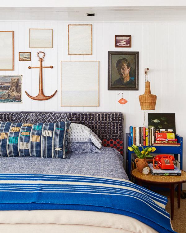 Benjamin Moore Super White bedroom