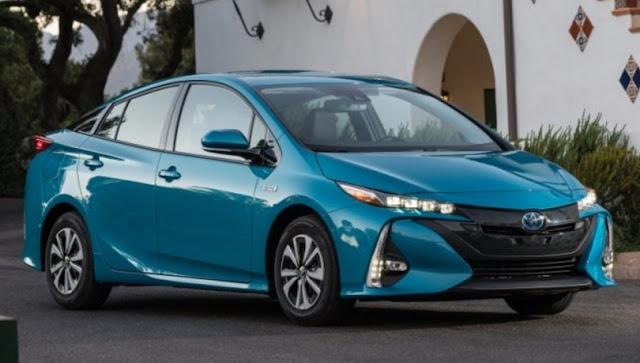 2017 Toyota Prius Prime Specs