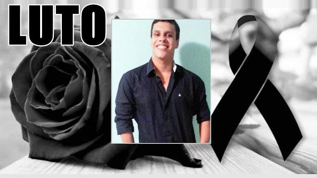 """Família de jovem assassinado na """"Ladeira do Maxixi"""" oferece recompensa por informações que levem a prisão do criminoso"""