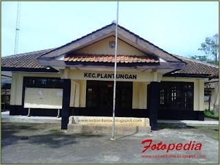 Kantor Kecamatan Plantungan