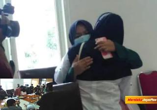 Tangis Tak Terbendung Agesti Ayu Wulandari Peluk Ibunya Cabut Laporan Polisi