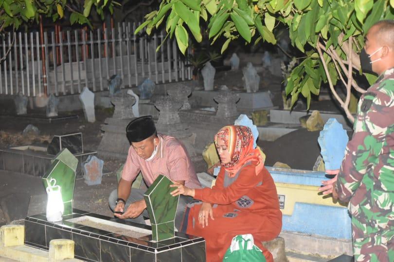 Jelang Ramadhan, Danrem 073 Makutarama dan Dandim 0716 Demak Sempatkan Diri Nyekar