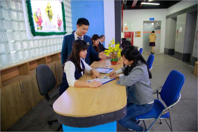 Học viên đến đăng kí khóa học đồ họa tại hà nội