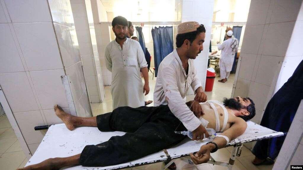 Entre los fallecidos estaba Malik Toor, comandante de una milicia pro-oficialista que había organizado la boda, dijo el policía Fayz Mohammad Babarkhil / REUTERS