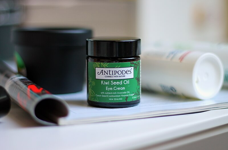 antipodes kiwi seed oil eye cream review recenzija