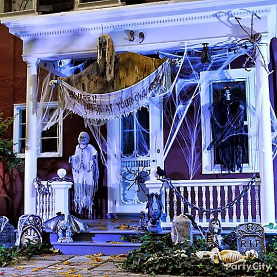 Halloween Outdoor Yard Decorations: The Domestic Curator: FUN OUTDOOR HALLOWEEN DECOR